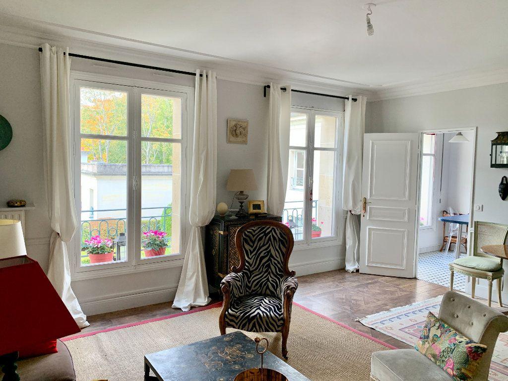 Appartement à vendre 4 90.45m2 à Versailles vignette-5