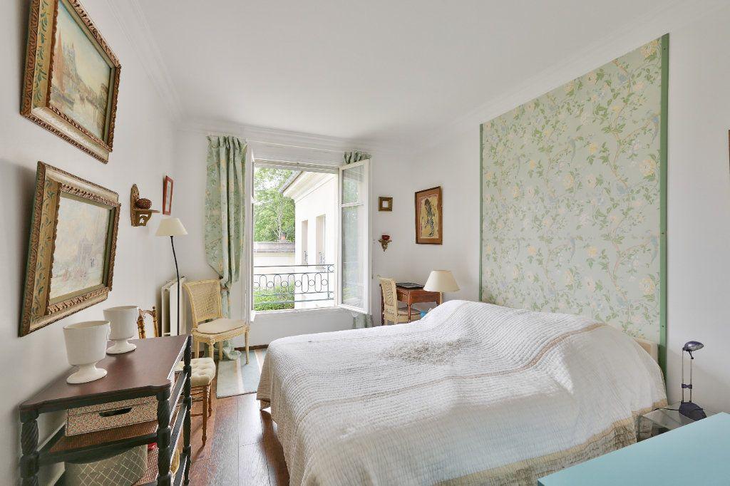 Appartement à vendre 4 90.45m2 à Versailles vignette-9
