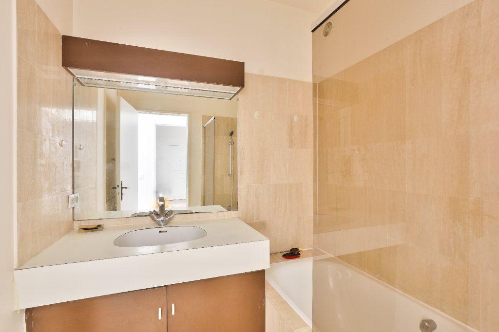 Appartement à vendre 4 90.45m2 à Versailles vignette-12