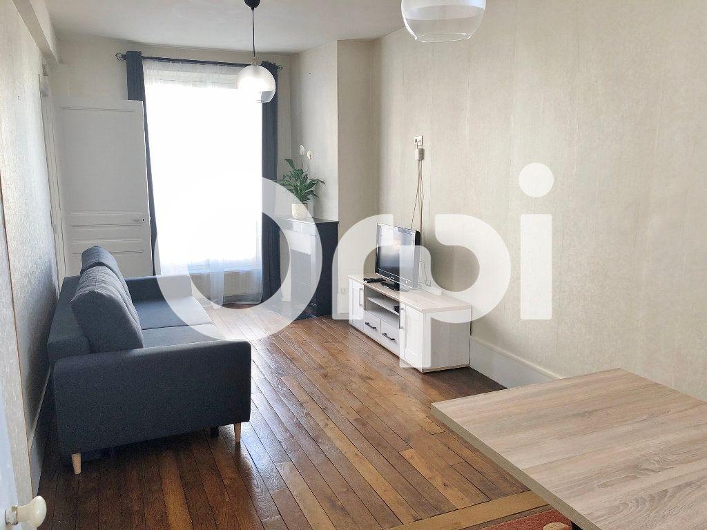 Appartement à louer 3 59.87m2 à Versailles vignette-1