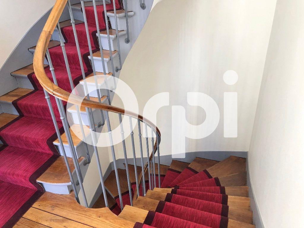 Appartement à louer 3 59.87m2 à Versailles vignette-10