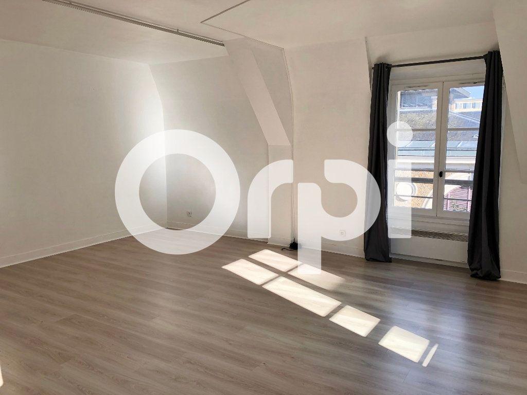 Appartement à louer 1 43m2 à Versailles vignette-3