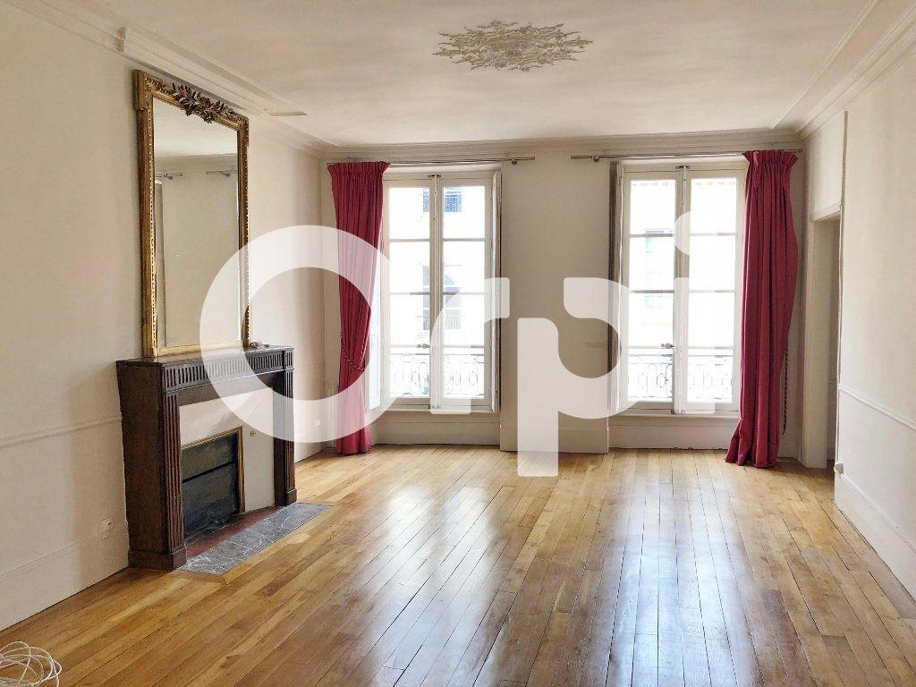 Appartement à louer 3 88m2 à Versailles vignette-1