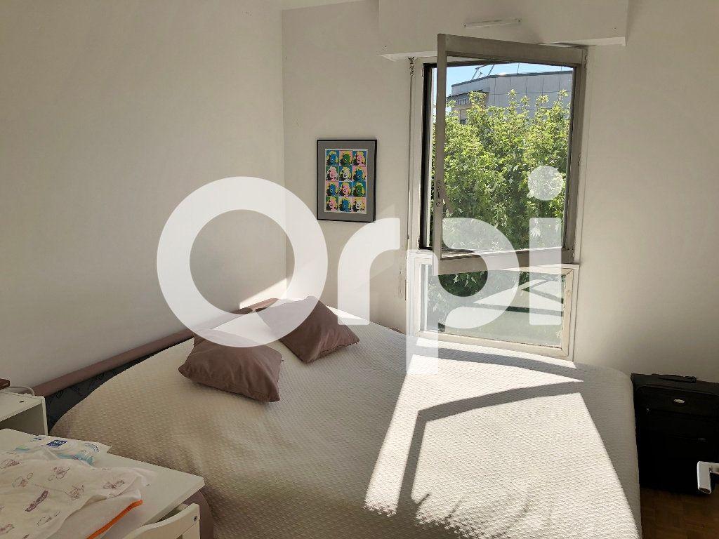 Appartement à louer 4 84.91m2 à Le Chesnay vignette-4