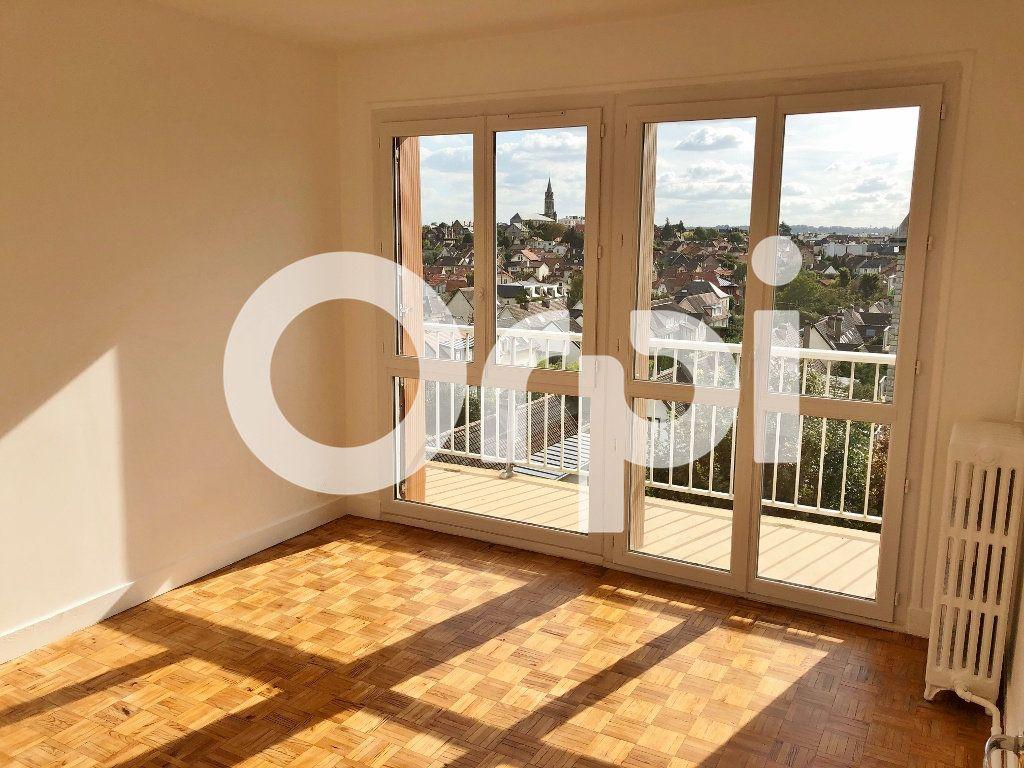 Appartement à louer 4 66.08m2 à Le Chesnay vignette-7