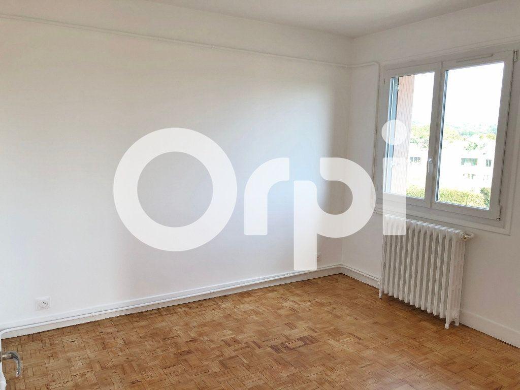 Appartement à louer 4 66.08m2 à Le Chesnay vignette-10