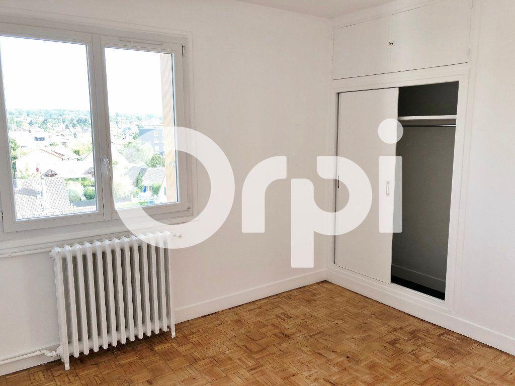 Appartement à louer 4 66.08m2 à Le Chesnay vignette-11