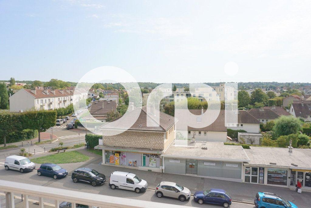 Appartement à louer 3 53.55m2 à Le Chesnay vignette-3