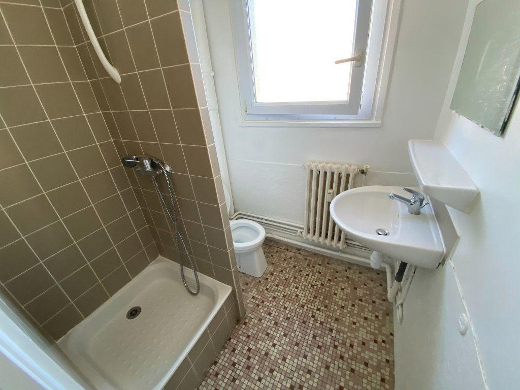Appartement à louer 1 17.66m2 à Montpellier vignette-4