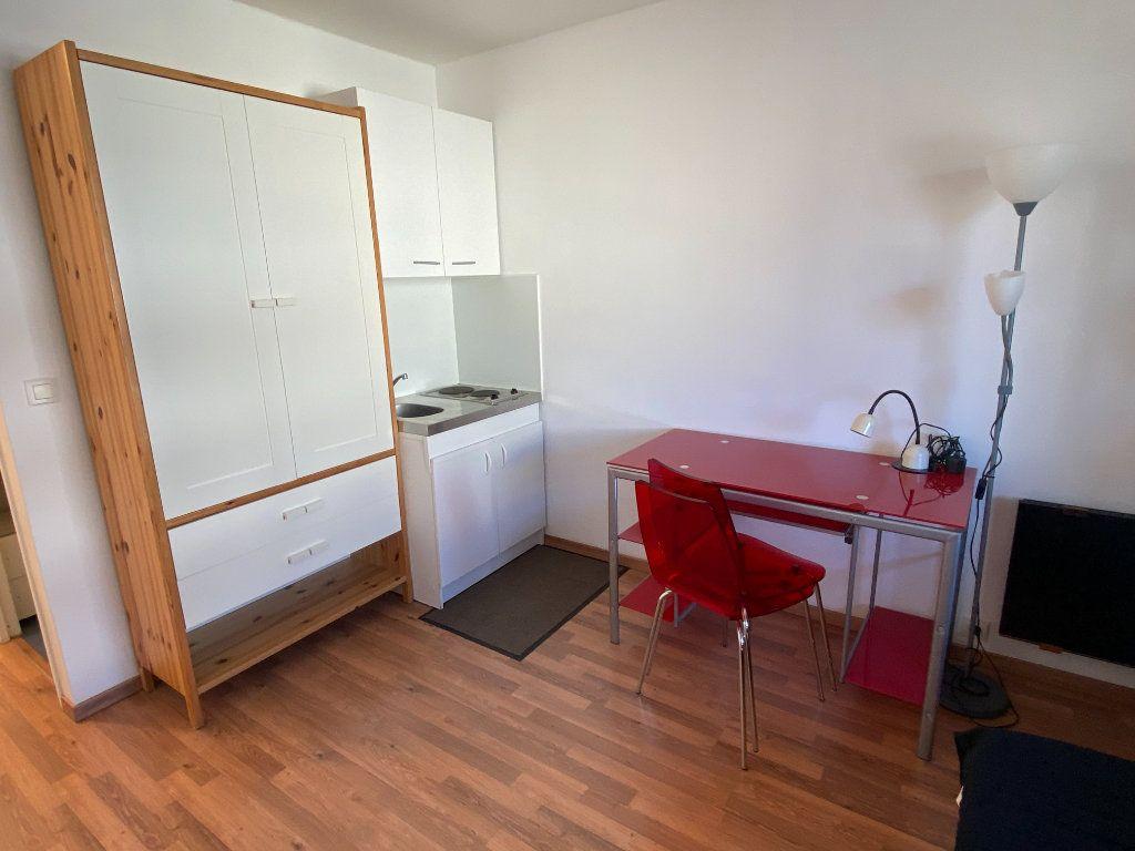 Appartement à louer 1 15m2 à Montpellier vignette-2