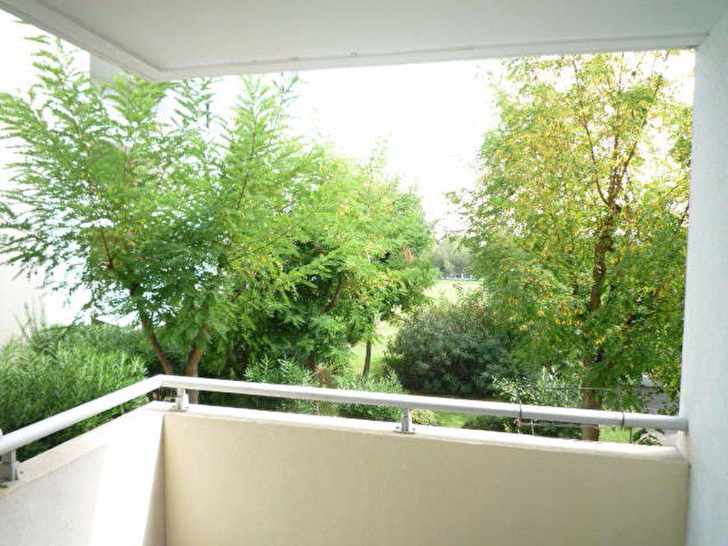 Appartement à louer 5 88.48m2 à Montpellier vignette-1