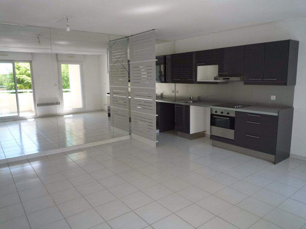 Appartement à louer 5 88.48m2 à Montpellier vignette-2