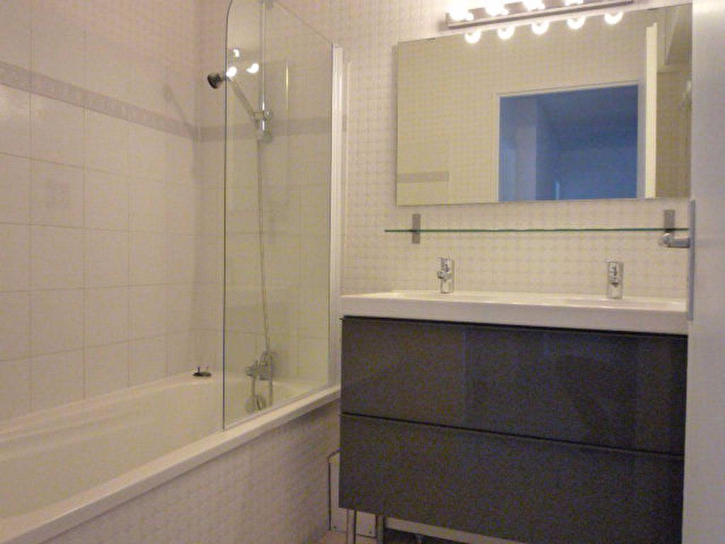 Appartement à louer 5 88.48m2 à Montpellier vignette-4