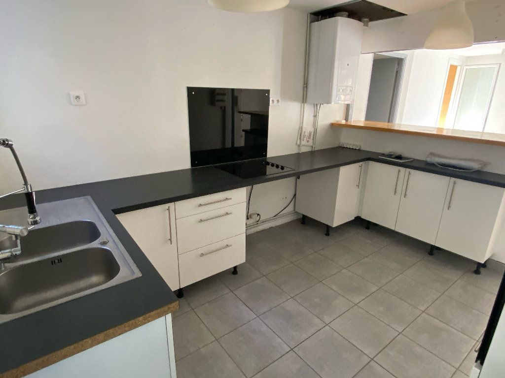 Appartement à louer 3 70.43m2 à Montpellier vignette-2