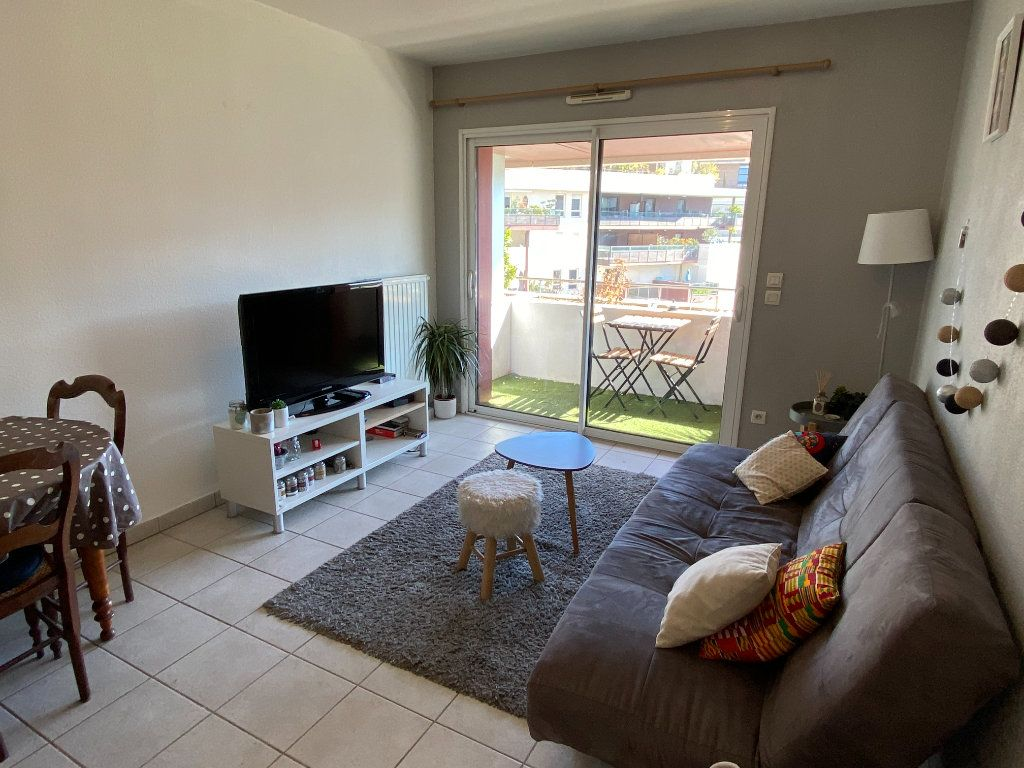 Appartement à louer 2 39.5m2 à Montpellier vignette-2