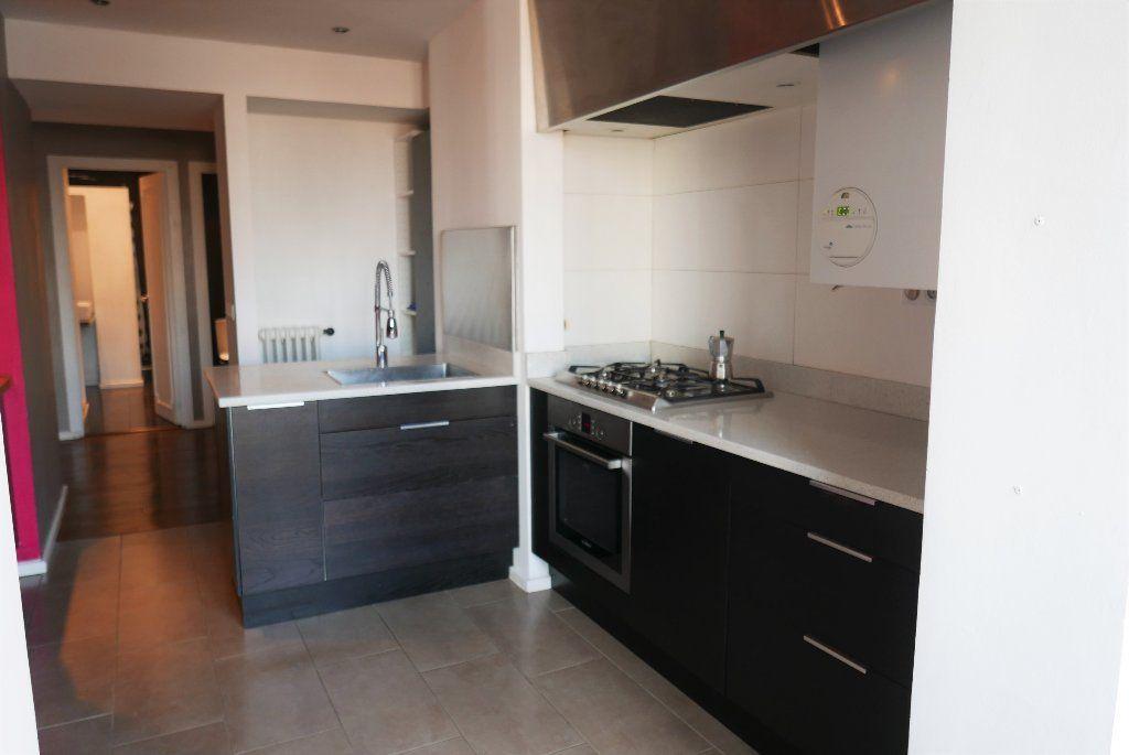 Appartement à louer 3 114.82m2 à Montpellier vignette-2