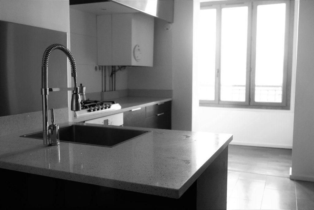 Appartement à louer 3 114.82m2 à Montpellier vignette-4