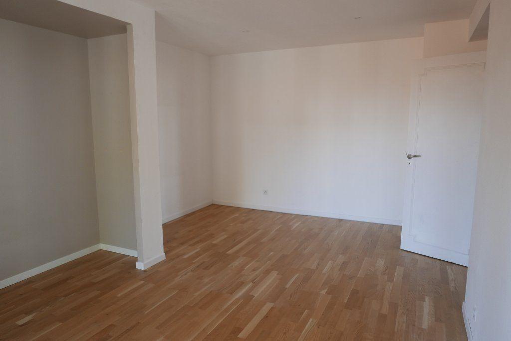 Appartement à louer 3 114.82m2 à Montpellier vignette-8