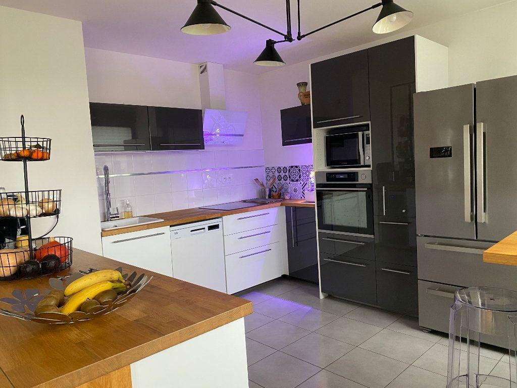 Appartement à vendre 4 103m2 à Montpellier vignette-16