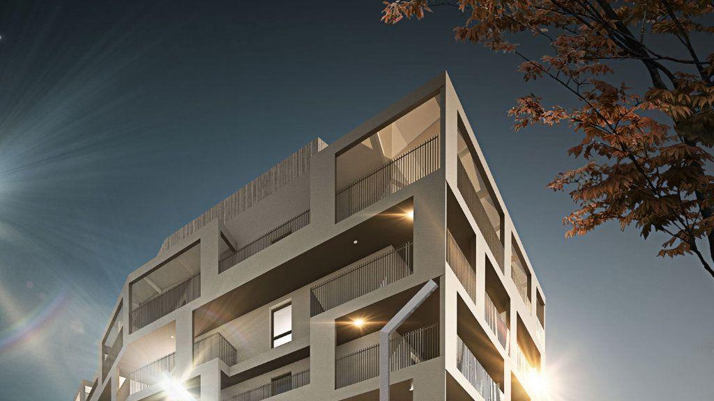 Appartement à vendre 5 122m2 à Montpellier vignette-2