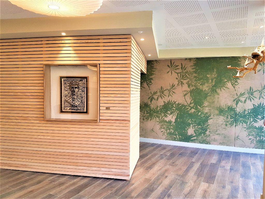 Appartement à vendre 3 69m2 à Castelnau-le-Lez vignette-3
