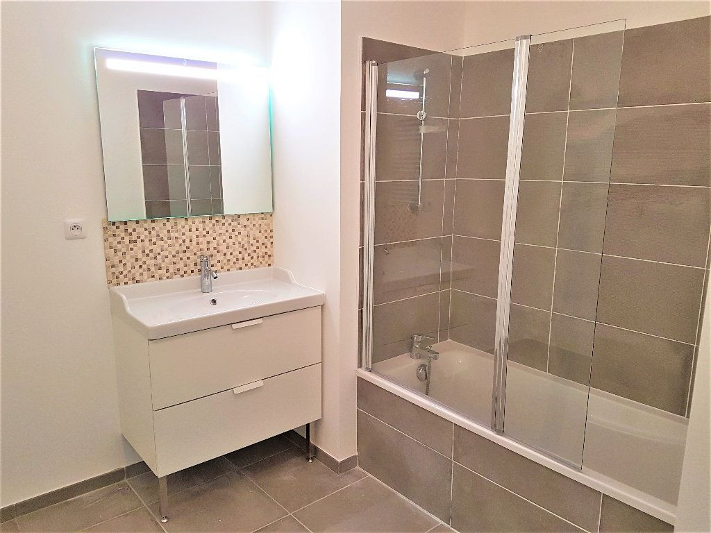 Appartement à vendre 3 69m2 à Castelnau-le-Lez vignette-6