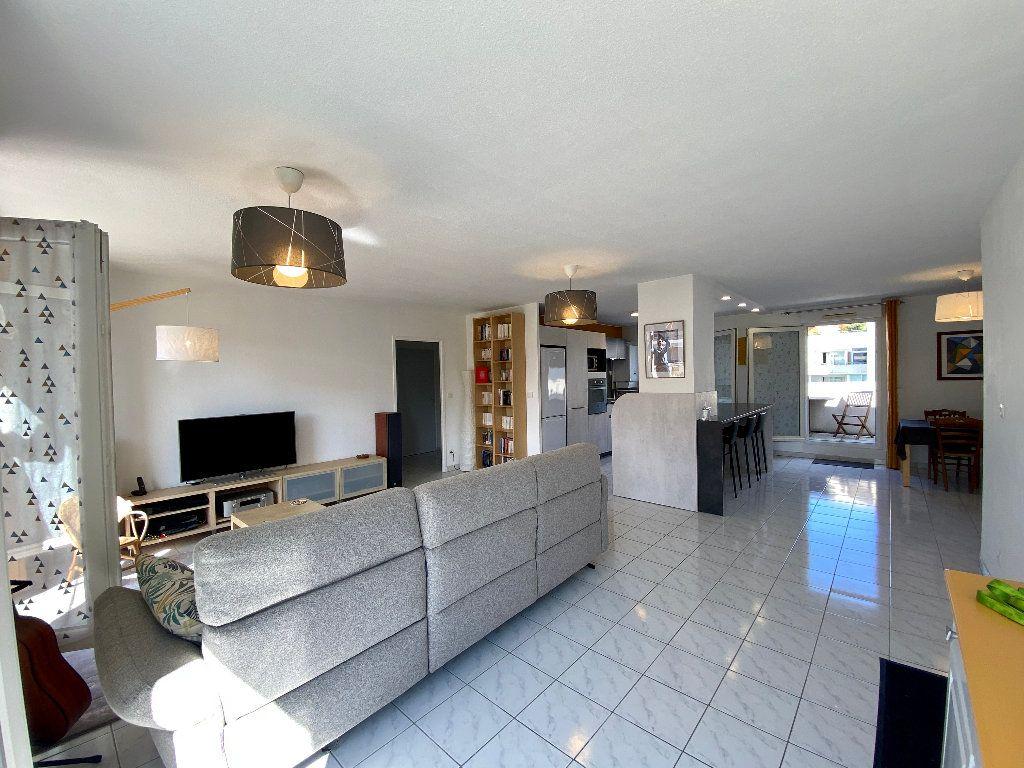 Appartement à vendre 5 121.8m2 à Montpellier vignette-2