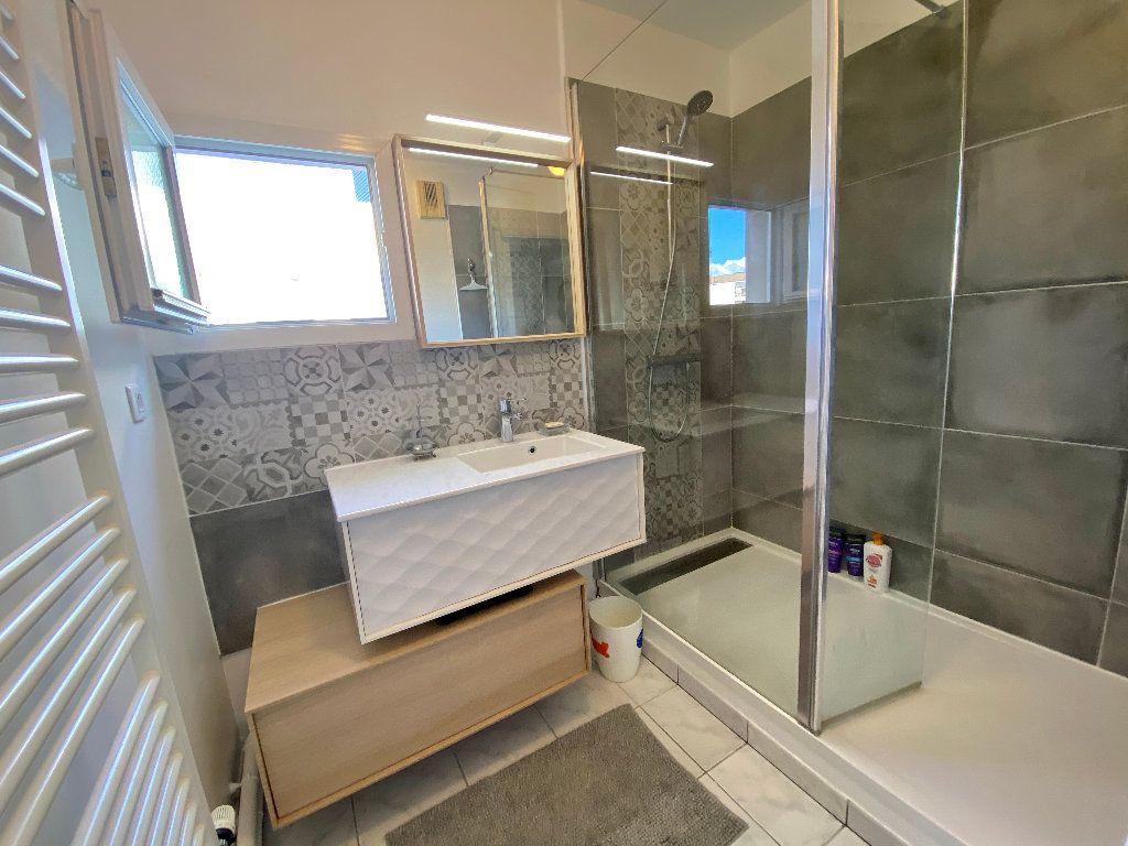 Appartement à vendre 5 121.8m2 à Montpellier vignette-6