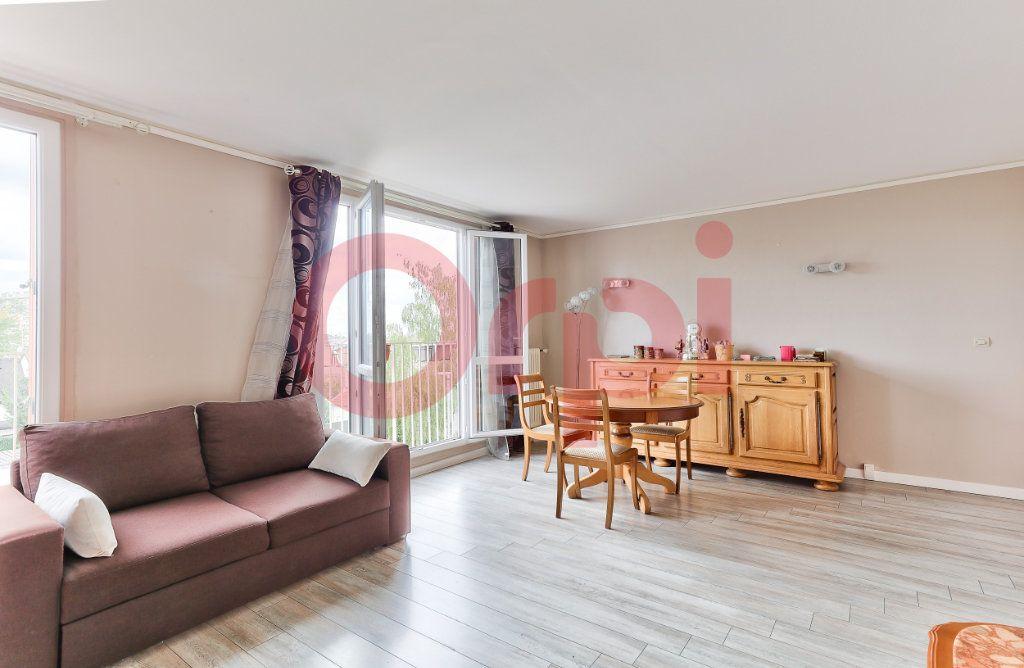 Appartement à vendre 4 69.86m2 à Villejuif vignette-2