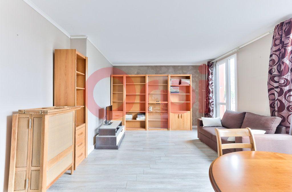 Appartement à vendre 4 69.86m2 à Villejuif vignette-3