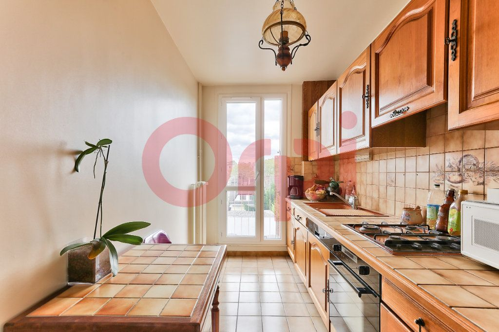 Appartement à vendre 4 69.86m2 à Villejuif vignette-5