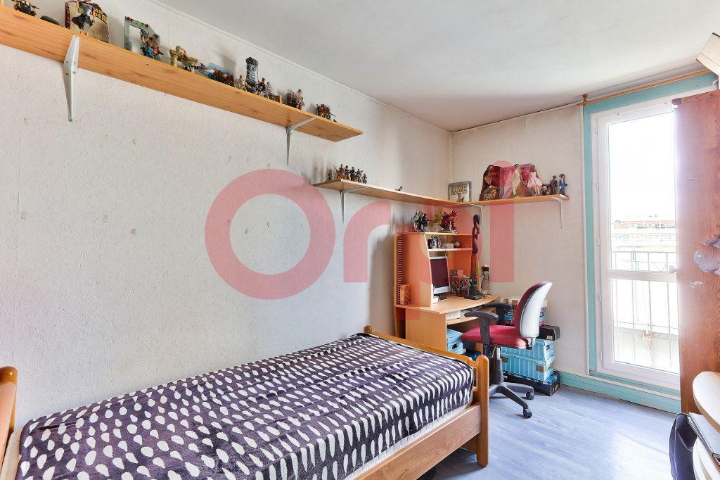 Appartement à vendre 4 69.86m2 à Villejuif vignette-6