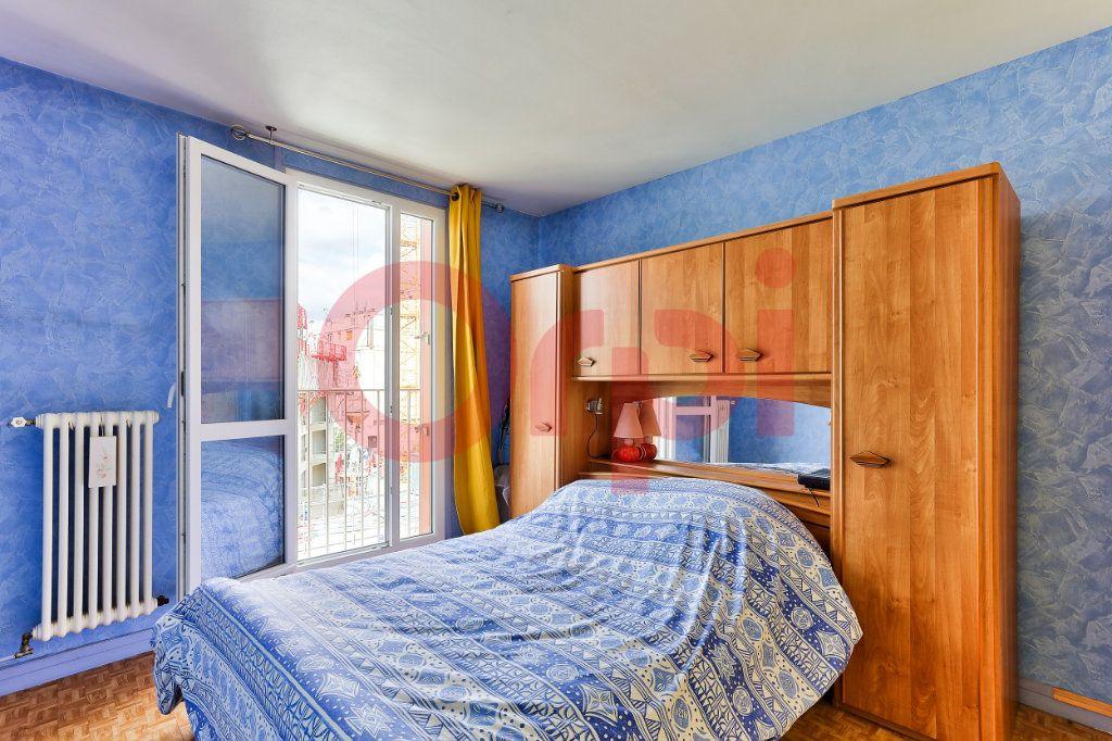 Appartement à vendre 4 69.86m2 à Villejuif vignette-7