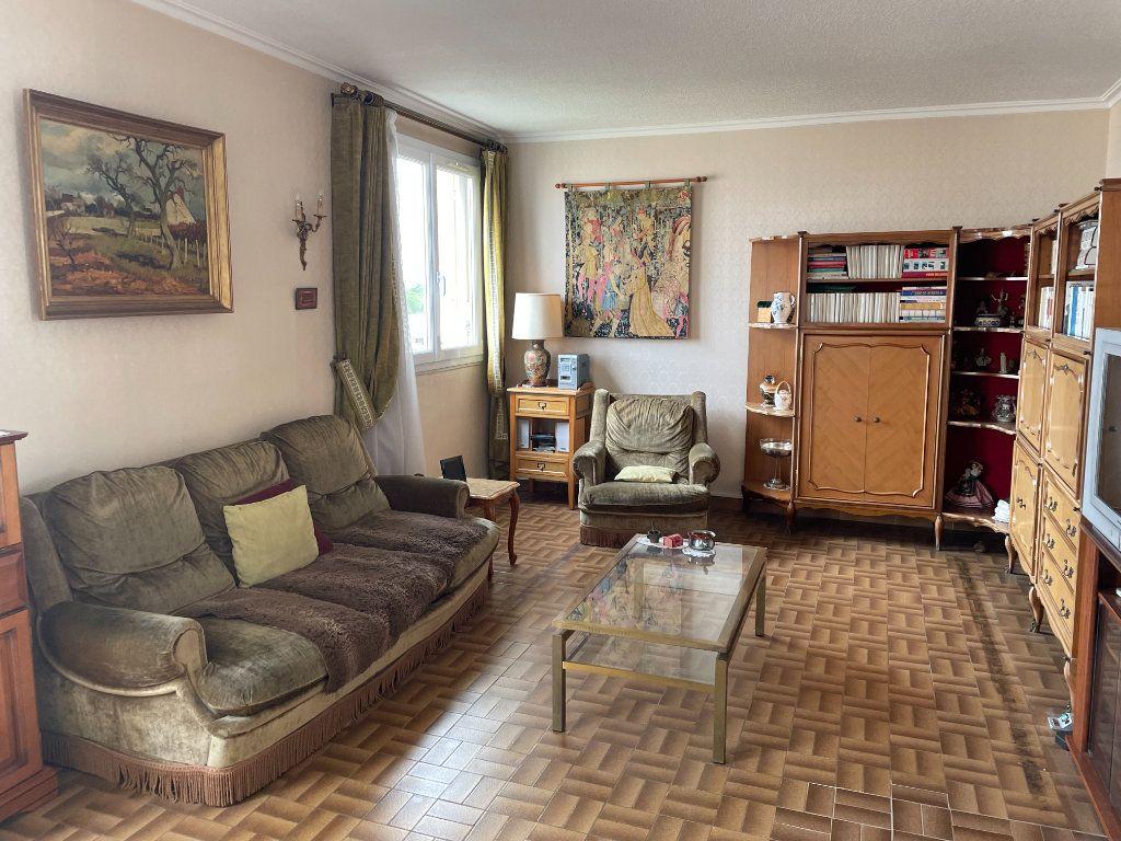 Appartement à vendre 5 72m2 à Villejuif vignette-2