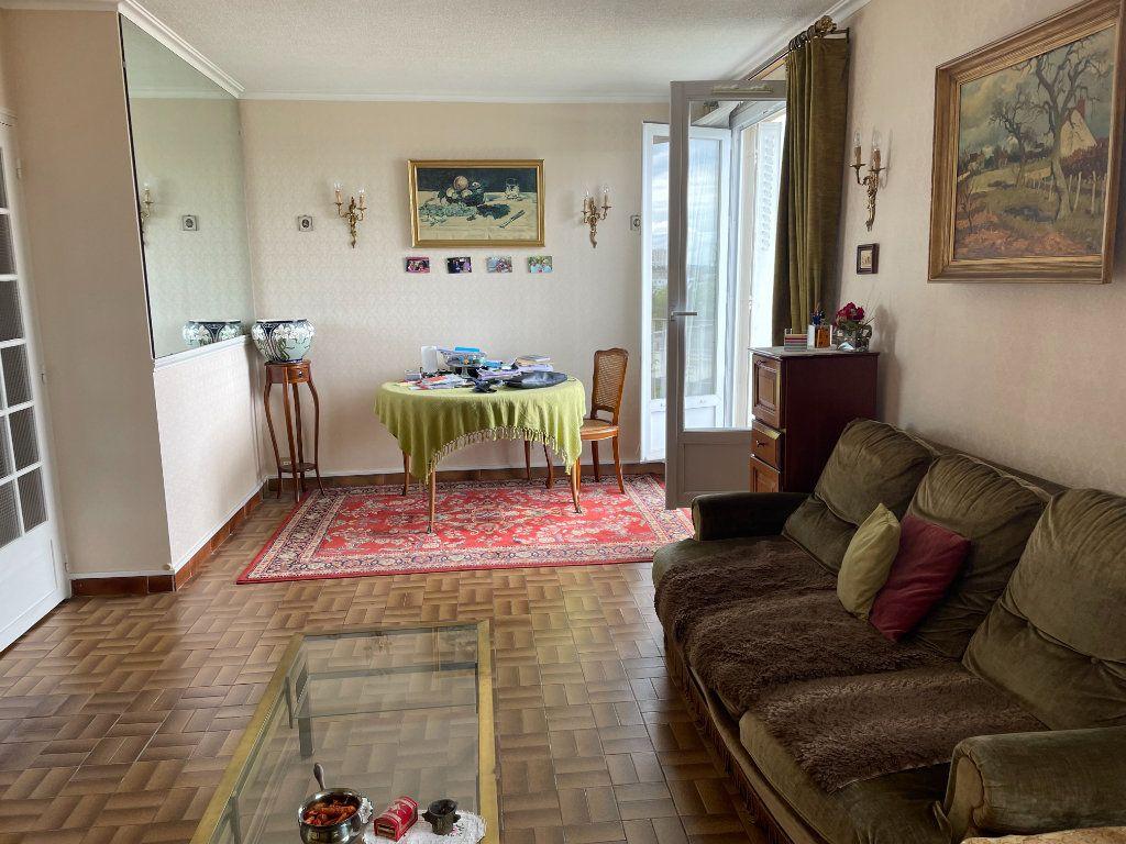 Appartement à vendre 5 72m2 à Villejuif vignette-3