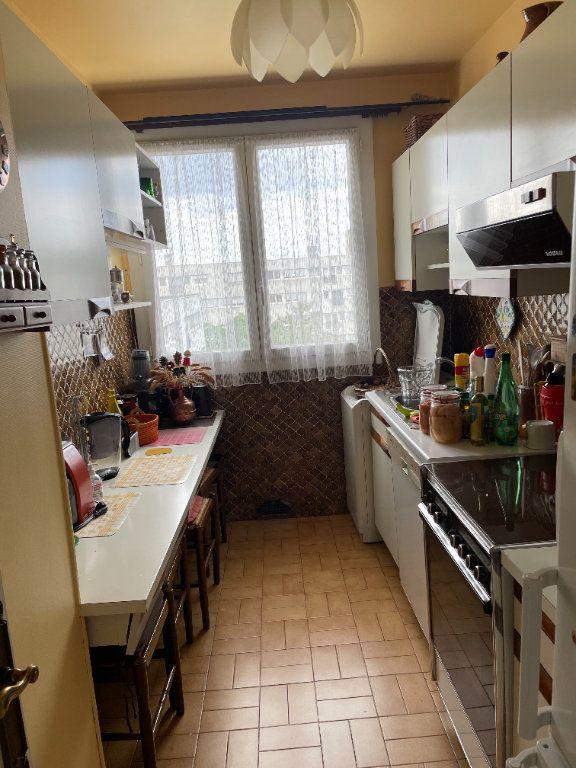 Appartement à vendre 5 72m2 à Villejuif vignette-4