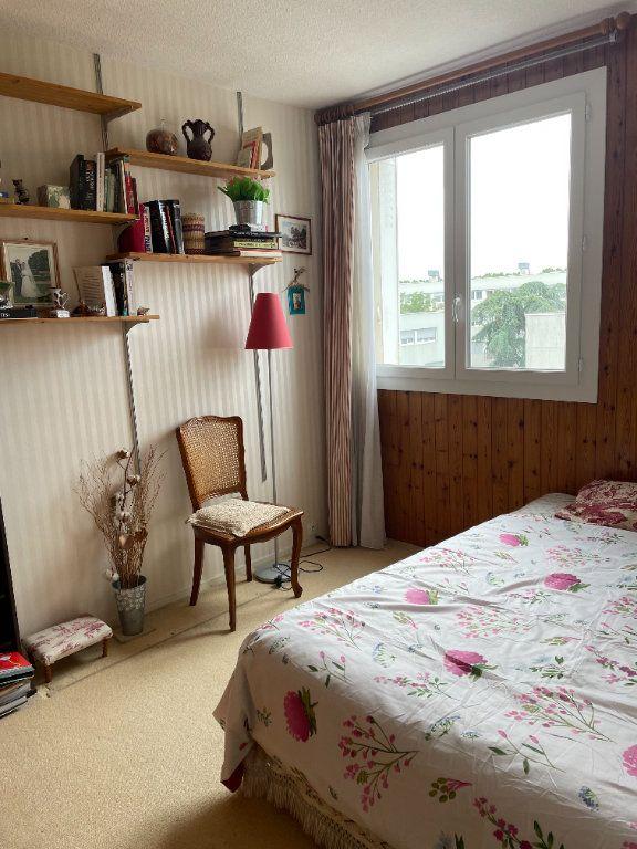 Appartement à vendre 5 72m2 à Villejuif vignette-5