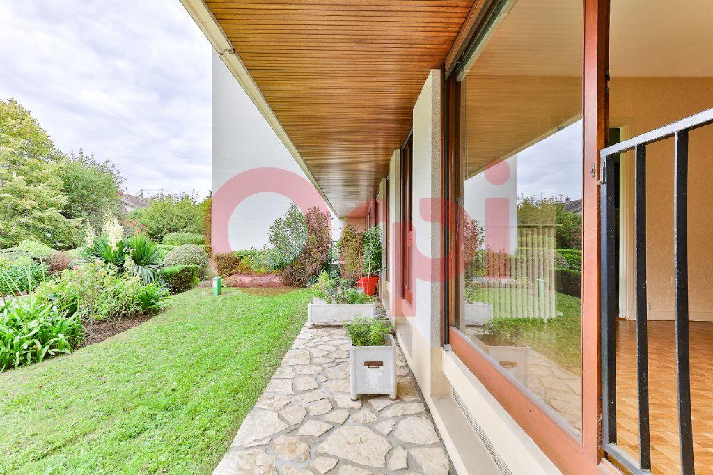 Appartement à vendre 3 62.42m2 à Villejuif vignette-1