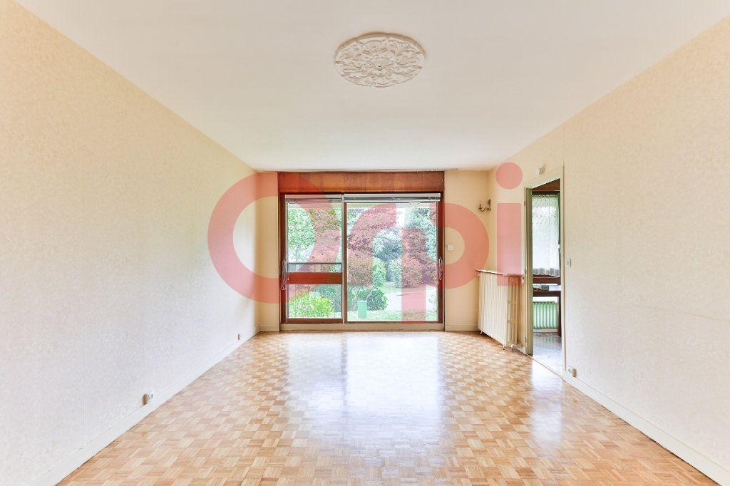 Appartement à vendre 3 62.42m2 à Villejuif vignette-4