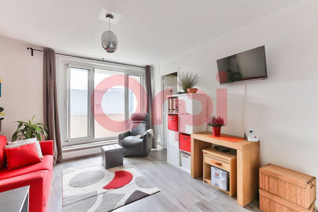 Appartement à vendre 3 50m2 à Villejuif vignette-2