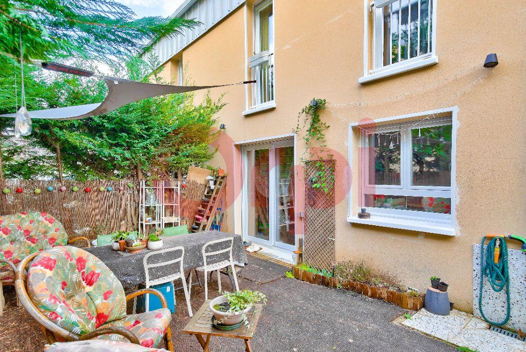 Appartement à vendre 4 72.07m2 à Villejuif vignette-11