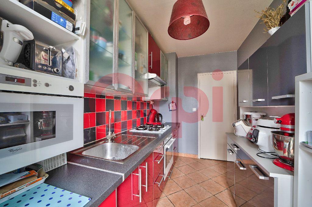 Appartement à vendre 3 56.7m2 à Villejuif vignette-6