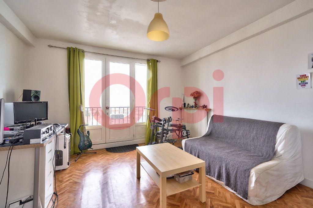 Appartement à vendre 2 42.59m2 à Villejuif vignette-1