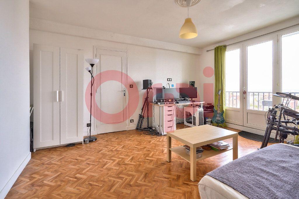 Appartement à vendre 2 42.59m2 à Villejuif vignette-2