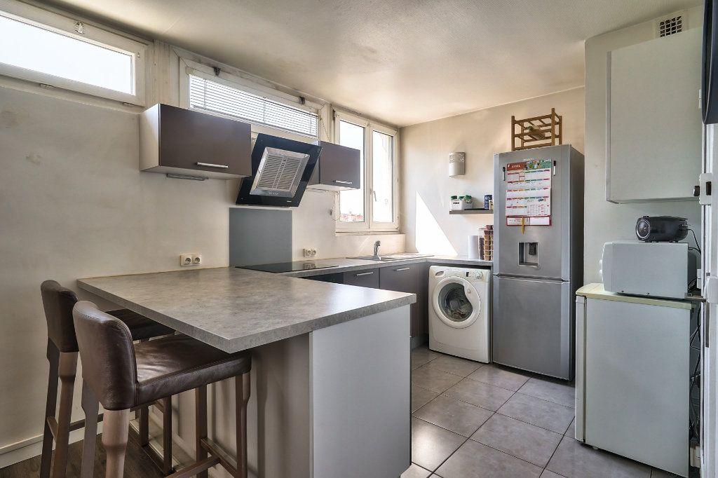 Appartement à vendre 3 65m2 à Villejuif vignette-4