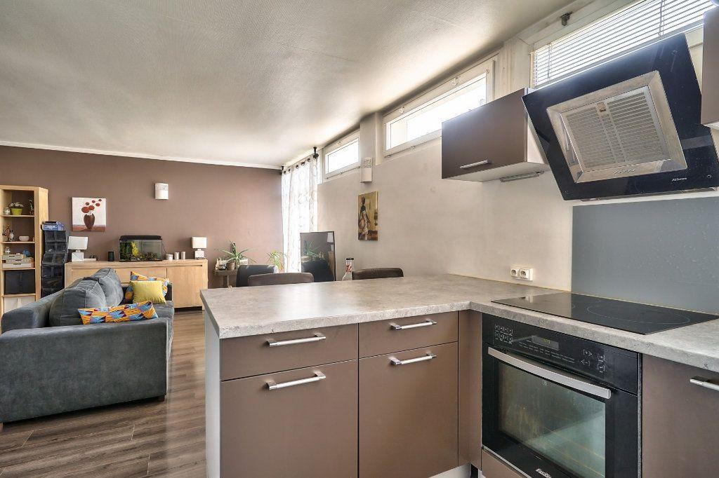 Appartement à vendre 3 65m2 à Villejuif vignette-6