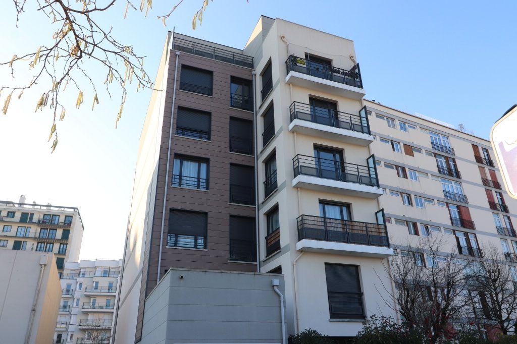 Appartement à louer 3 72m2 à Villejuif vignette-1