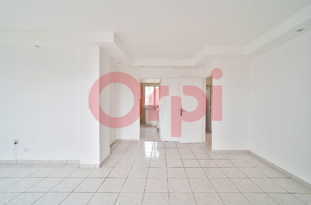 Appartement à louer 4 57.21m2 à Villejuif vignette-1