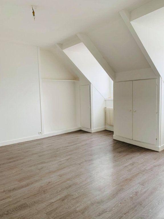 Appartement à louer 3 57.08m2 à Compiègne vignette-1