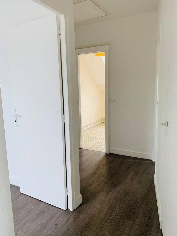 Appartement à louer 3 57.08m2 à Compiègne vignette-4